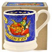 Halloween Scene 2016 ½ Pint Mug